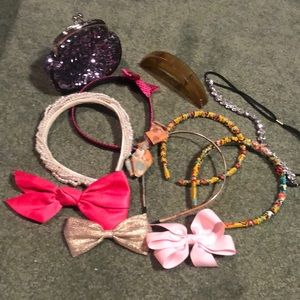 Other - 😊 5/$20 Hair Accessory & Coin Pouch Bundle
